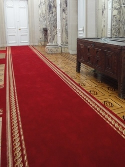 Red carpets and protocolary carpet runners